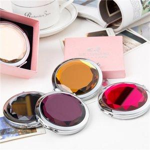 مستحضرات التجميل مرآة اليد جولة كريستال أضعاف المرأة المحمولة هدية ماكياج مدمج متعدد الألوان المرايا التجميل وصول جديد 2 55WC M2