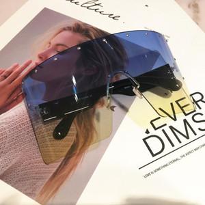 Kadınlar için 2020 Moda Marka Tasarımcısı Güneş Gözlüğü Büyük Boy Tek Parça Degrade Güneş Gözlükleri Kadın Çerçevesiz Chic Çift Renkli Shades