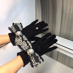 Bayanlar Bayan Eldiven Deri Luxurys Tasarımcılar Eldiven Kadın Kış Motosiklet Eldiven Moda Rahat Eldiven