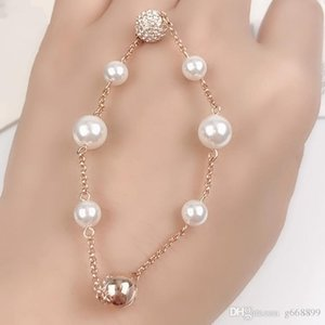 Classic fashion new luxury hand ornaments popular products gentle Pearl Bracelet clasp rose gold jewelry cross border whol