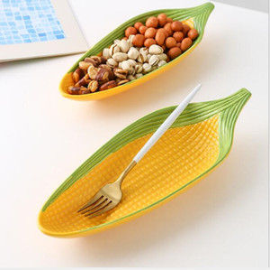 Corn cartoon creative hand-painted ceramic plate Relief lovely personality trend fruit plate. Snack inventory heart plate