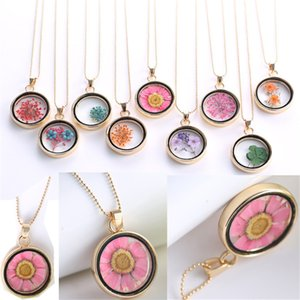 European and American alloy creative personality jewelry plant dried flower pendant clover dried flower necklace wholesale
