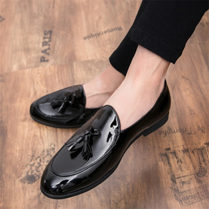 New Fashion Leather Gentleman Stress Shoes Men Business Driving Shoes Handmade Tassel Loafers chaussure Party Flats Dress Shoes 201212