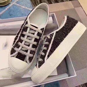 2021Top New Women Donne Walk Sneaker Sneaker Ricamo Canvas Low Top Shoes Canvas Texture Letter Stampa Sneaker di lacci 34-41 con scatola