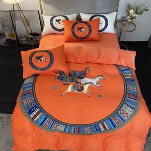 2021 Оранжевые дизайнерские постельные принадлежности Крышка Бархат Кровать К услугам гостей Кровать Квартиры Устанавливает подушки Корпус Лошадь Печать Роскошные Квинс Размеры Постельное белье