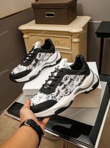 Derniers Chaussures pour hommes Nouvelles Sneakers de mode Luxe Hommes Sports Sports Chaussures Homme Marque Entraîneurs En plein air Tennis Loisirs Chaussures de sport UP234