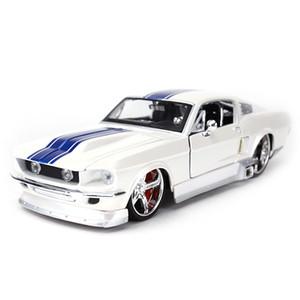 Maisto 1:24 1967 Ford Mustang GT Sports Car Sports Die Vehicles Modelo de colección Juguetes de coche Z1202