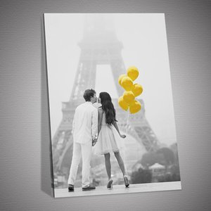 Sweet Couple Yellow Balloon Background Poster Poster and Prints Canvas Painting on Wall Art Home Decor Picture for Home Decoration