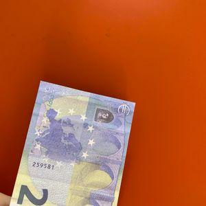 08 Simulación de ventas en caliente y Euro Fake Toy 20 Banknote Bar Game Television Props Shooting Money Coin Film Precice Token HKCNC
