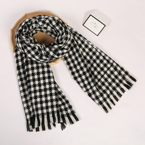 High Quality Check Cashmere Scarves for mens Long 200x70cm Pashmina Fashion Tassels Amazing Beautiful Comfortable Wearing