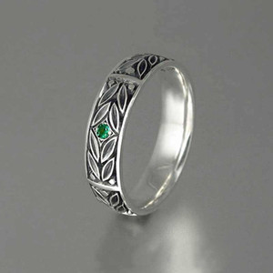 Huitan Retro Anniversary Gift Ring For Women With Vintage Leaves Engraved With One Tiny Green Cubic Zircon Stone Finger Rings