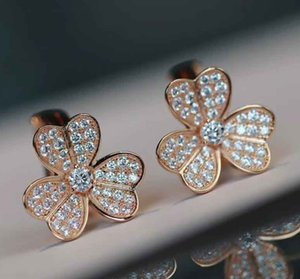 V gold Luxurious quality flower clip earring with all diamond in Platinum color and 18k rose gold plated for women wedding jewelry gif