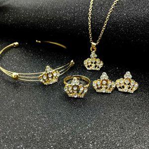 الملحقات الفاخرة أزياء الجو التاج كامل مجوهرات الماس قلادة القرط حلقة سوار أربعة قطعة مجموعة