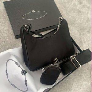 Femmes de luxe designers Nylon Hobo Toile Sac à bandoulière Bandoulière pour femmes Sacs Classic Sacs Zipper à glissière Mode Tote Porte-clés