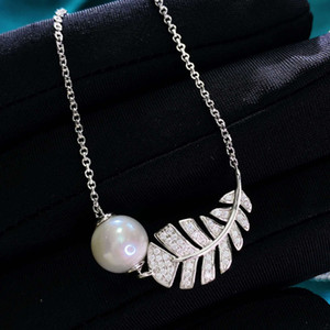 HBP luxury 2021 new S925 Silver Necklace small fragrance fashion star natural pearl creative feather Pendant