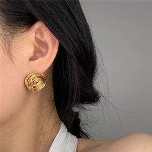 Designer de moda nova jóias de lã de ouro fio de metal desenho trançado ferida oco semicírculo geométrico brincos de bola de pelúcia, brincos e