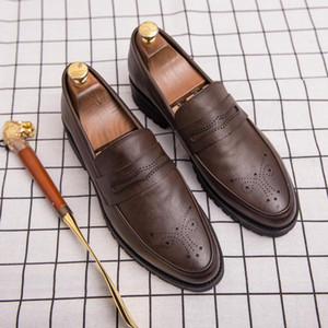 Men Bullock Business Dress Shoes Large Size Comfortable Casual Men'S Leather Shoes Italy New Fashion Office Loafers