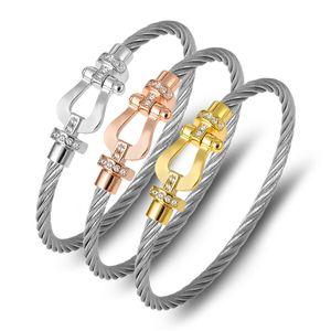 Fashion Bracelet titanium steel wire rope magnetic buckle horseshoe half brick Bracelet U-shaped head micro inlaid Bracelet