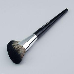 Pro Demi Fan Makeup Brush #72 - Featherweight Soft Bristle Seamless Setting Powder Cosmetics Brush Beauty Tools
