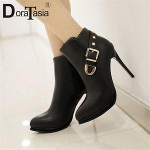 Doratasia New Sexy Boots Donne Decorazione Delle Donne Della Moda Donna Sottile Tacchi alti Scarpe Donna Party Office Caviglia Stivaletti 2020 M5CN #