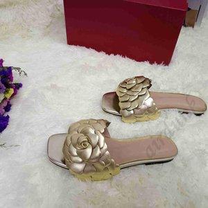 [Kutu ile] 2021 En Kaliteli Düz Topuk Kadın Terlik Deri Çiçek Yaprakları Flip Flop Sandalet Gelgit Kadın Terlik
