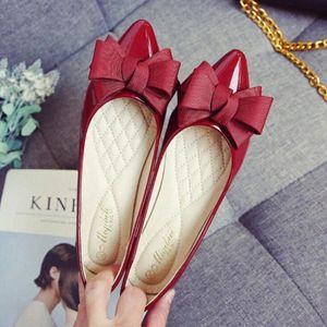2020 Nœud papillon Knot Brevet Cuir Chaussures Femmes Slip sur Candy Couleur Chaussures plates pour Femme Plus Taille 43 Sweet Dames H3KF #