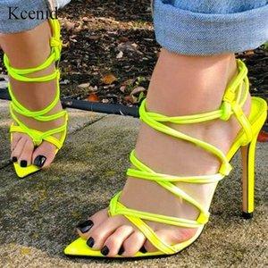 Kcenid 2020 Sandalias de verano Mujeres delgadas tacones altos afilados puntiagudos puntiagudos Sandalias de las señoras de la cruz de la cruz verde Stilettos Zapatos de fiesta Mujer plateado p1z6 #