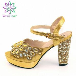 Zapatos de fiesta de mujeres italianas estilo retro decoran con diamantes de imitación en color oro zapatos de boda africanos zapatos para hombre 46Y4 #
