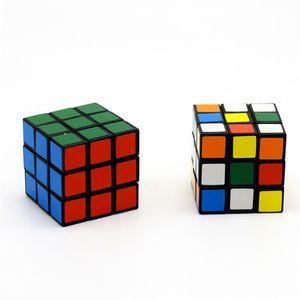 Intelligence Toys Cyclone Ragazzi Mini Finger 3x3 Speed Cube Stickerless Finger Magic Cube 3x3x3 Puzzle giocattoli all'ingrosso