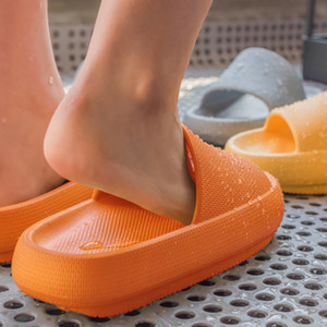 Women Summer Fashion Slippers Slide Sandals Beach High Heels Shower Thick Soft Sole Men Ladies Boys Girls Bathroom Shoes 210225