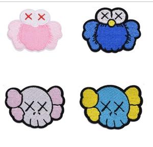 50 pcs kaws patches ferro costurar em noções de costura bordada graffti artista kids roupas bonito desenhos animados artesanato applique patch jeans decorativo tampões de pano
