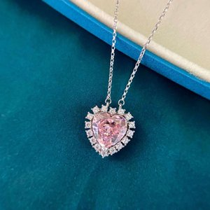 HBP luxury ice cut Love Pendant Pink 925 silver fashion micro inlaid high carbon diamond necklace female heart * 12