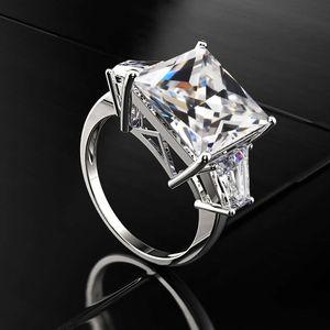 HBP Shipai Новые продукты Продают скважинную скважинную моду женские Zircon медная платить платиновые кольцевые украшения