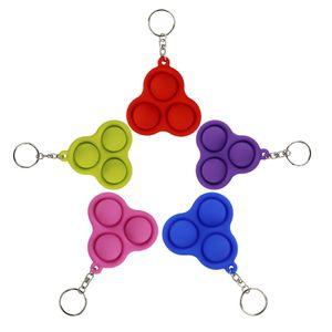 Anillo de llaves Fidget Fidget Simple Dimple Toy Triangle Cadena Colgante Multicolor Presión Relieve Adornos de coches Cadenas de regalo