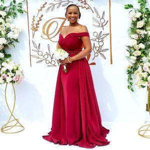 Red Mermaid Scepined платья подружки невесты с съемным поездом со свадьбы на плеч свадьбы. Гостевое платье атласная горнима