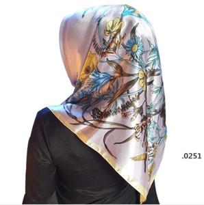 스카프 Fahsion Kerchief Silk Satin Hijab Scarf 여성용 꽃 프린트 헤드 인쇄 스카프 여성 90 * 90cm Shawls 및 랩 스카프 FWC6045