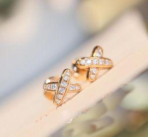 Estilo cruzado de calidad de lujo con diamante para mujeres regalo de joyería de boda en 18k rosa chapado en oro y platino mujer joyería de boda regalo fr