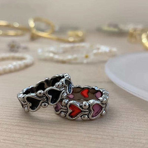 Individuality Baroque Vintage Rings Hit Colour Love Heart Band Rings for Women Girls Party Retro Finger Ring Statement Jewelry Accessories
