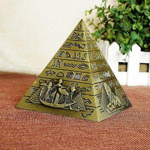Egipcio Metal Faraón Khufu Pyramids Figurine Pyramid Building Statue Miniatures Home Office Decoración de escritorio Regalo Souvenir C0220