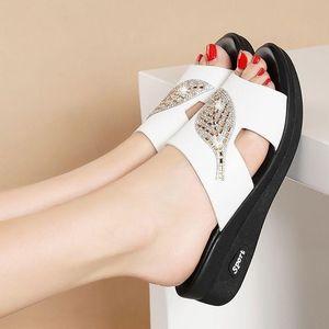 Summer Shoes Woman Sandals For Women 2021 Bling Flat Ladies Beach Sandles Designer Luxury Sandalias Mujer Sandels