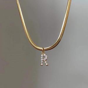 NOUVEAU Mode Femmes Collier Jaune Gold Plated Bling Cz Mini Taille Collier de lettres A-Z Pour Filles Femmes Pour Fête De Mariage Nice cadeau