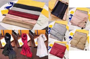 2021 Nueva Moda Bufanda de seda real Mantenga la bufanda caliente Bufanda de alta calidad Accesorios de estilo de seda simple Accesorios de estilo retro para mujer