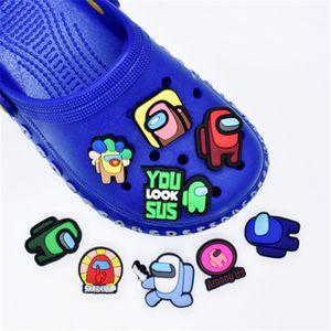 Filmler TV Peluş Oyuncak Tarzı Işık Bunny Özel Yumuşak Kauçuk PVC Tasarımcı Croc Ayakkabı Charms Aksesuarları Jibitz için