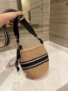 Летний пляж соломенные мешки повседневная ротанга женские сумки плетеные тканые женские сумки большая емкость леди ведра сумка