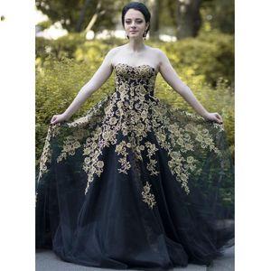 Vintage Long Black Evening Dresses Appliques Gold Lace 2021 Arabic Dubai Sweetheart Strapless Prom Party Gowns Cheap Women Formal Wear Plus