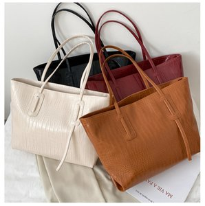 Large-capacity women's handbag 2020 autumn new Korean wind hundred shoulder bag simple fashion shopping bag a variety of colors