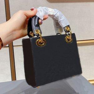 Дизайнерские сумки на плечо с шелковым шарфом Высококачественные сумка послангера Золото и серебро Оборудование Четыре Цвета Бутик Леди Креста Тело Торговая сумка Сцепления ТАТы # 32
