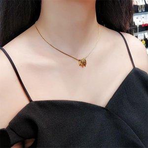 Suqi non-mortement 316 en acier inoxydable carré Perle carré Femmes Colliers Pendants Colliers Colliers Femme Chaîne Bijoux Cadeau