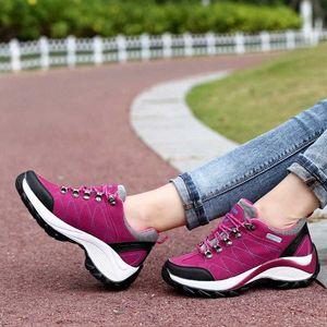 2020 Wanderschuhe Frauen Outdoor Trekking Schuhe Berg Walking Wasserdichte Wildleder Tracking Klettern Sneakers Gummi Sohle Schuhe Silber S D8AO #