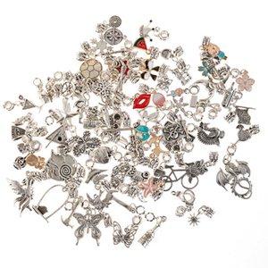 Charmes de dessin animé émail mélangez des perles de pendentif de charme d'argent antique pour la création de collier bracelet pangle bijouterie